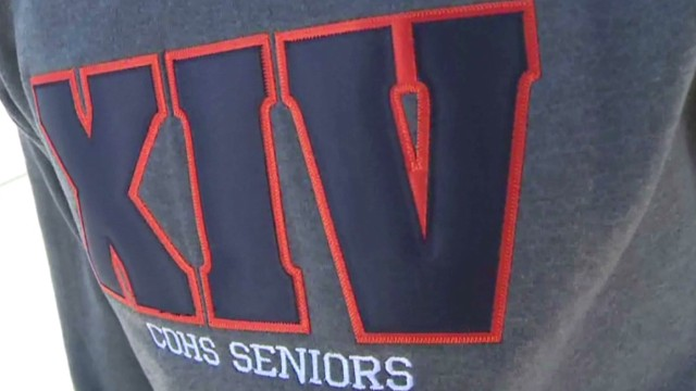 dnt senior class sweatshirt gang sign_00002417.jpg