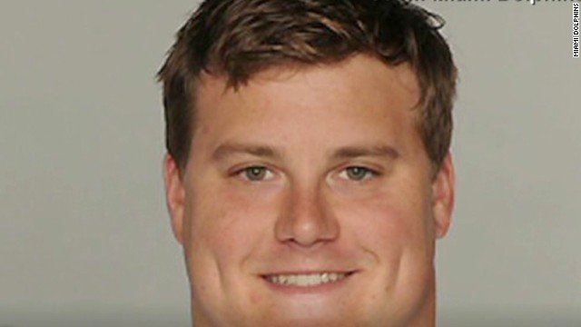 Incognito caught using N-word at bar