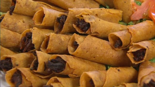 cnnee romo us mexican tortillas_00000117.jpg