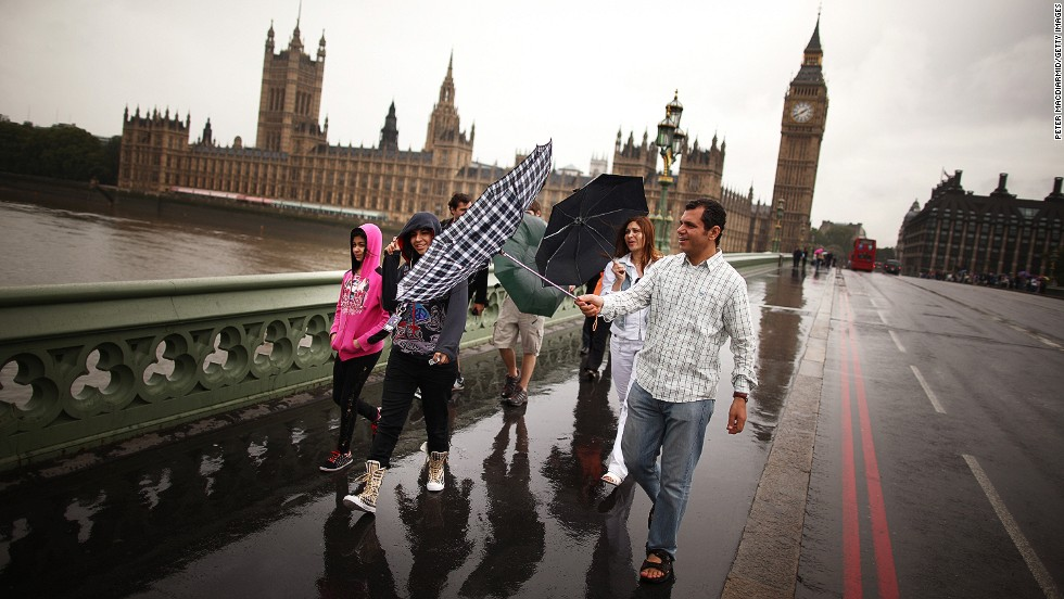 "You know you're in a damp country when the merest hint of sunshine is <a href=""http://twicsy.com/i/pyr84d"" target=""_blank"">front page news</a>. Britain has four seasons, and while the transitions between them can be pleasant, each is typically as wet, gray and cold as the last. All are considered by Brits to be ""ice cream weather."" Whatever the climate throws at you, be prepared for endless conversations about it."
