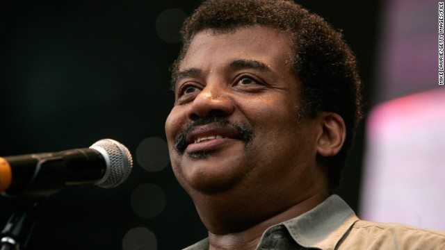 NEW YORK, NY - JULY 29: Astrophysicist Neil deGrasse Tyson answers science questions from the crowd at the Williamsburg Waterfront on July 29, 2011 in New York City. (Photo by Mike Lawrie/Getty Images)