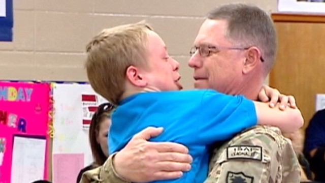 dnt sc military dad school surprise _00011306.jpg