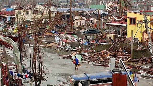 CNN reporters in Tacloban on the relief effort