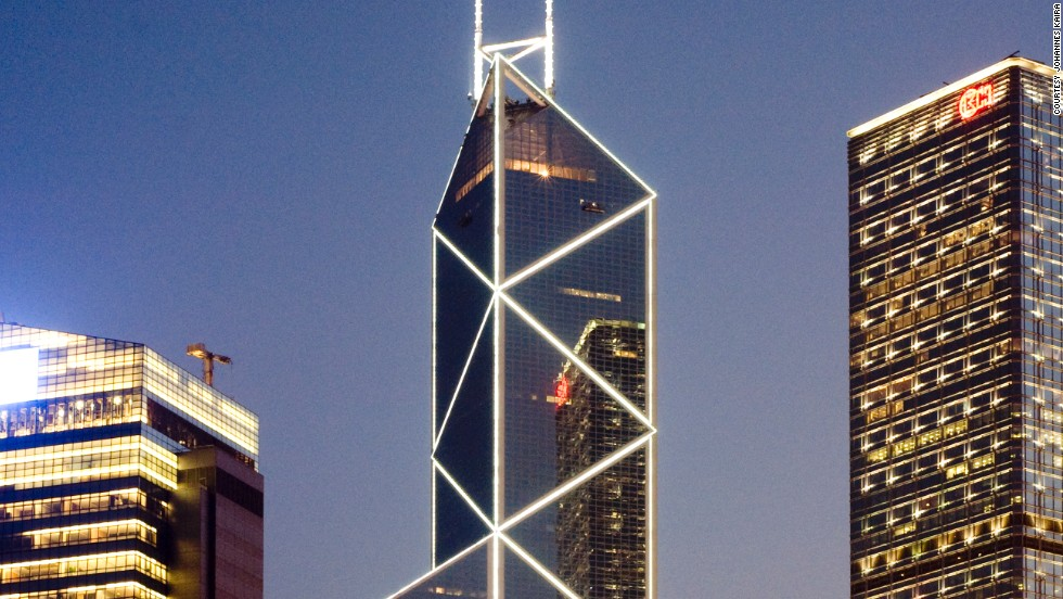 Architects: I.M. Pei & Partners; Shermann Kung & Associates Architects Limited.<br />This tower houses the headquarters of the Bank of China Hong Kong.<br />According to the architect Ieoh Ming Pei, the shape of a bamboo stalk served as inspiration for the design.