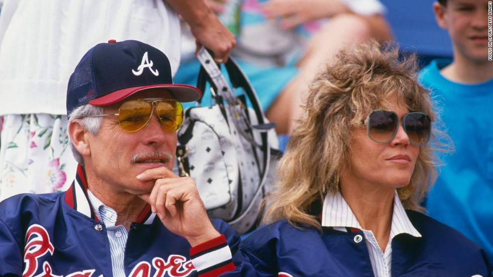 Turner and Fonda take in a Braves game.