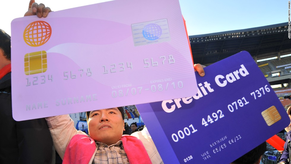 South Koreans became the world's top users of credit cards two years ago, making 129.7 transactions per person in 2011, compared with 77.9 transactions per person in the United States.