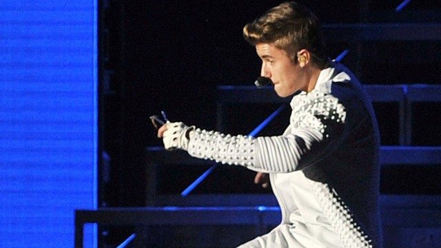 FAA investigating Bieber's N.J. flight