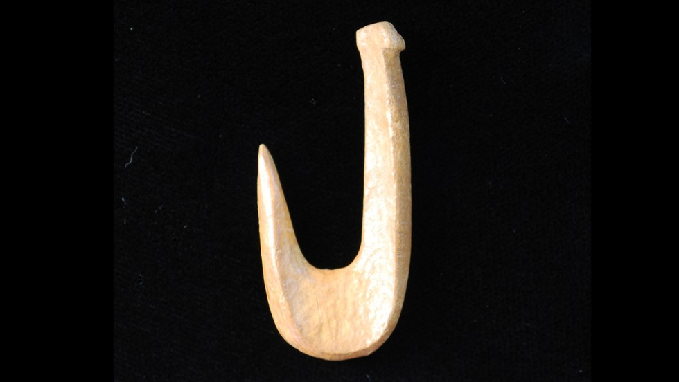 8000-500 BC: Bone fishhooks were used from the Archaic period until European contact.<br />