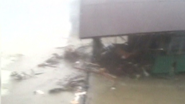 Video shows moment typhoon hit