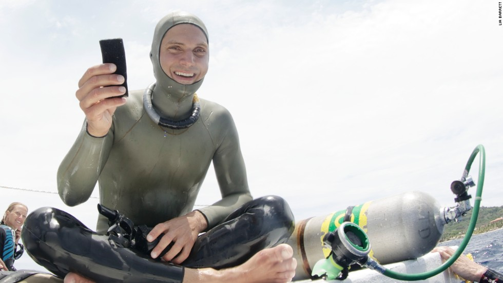 Nick Mevoli died on Sunday following a freediving attempt in the Bahamas. The 32-year-old was conscious when he surfaced but blacked out. Doctors tried to revive him but were unable to save his life.