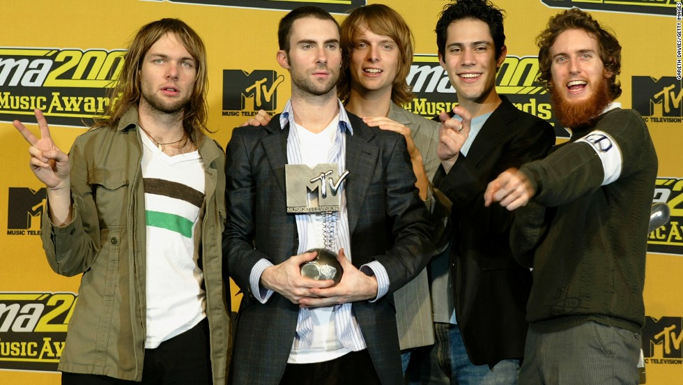 "Maroon 5 poses with their award for ""Best New Act"" after the 2004 MTV Europe Music Awards in Rome."