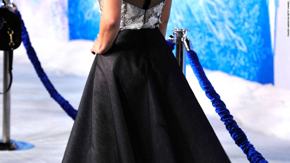 "Kristen Bell steps out at the November 19 premiere of her new animated movie, ""Frozen."""