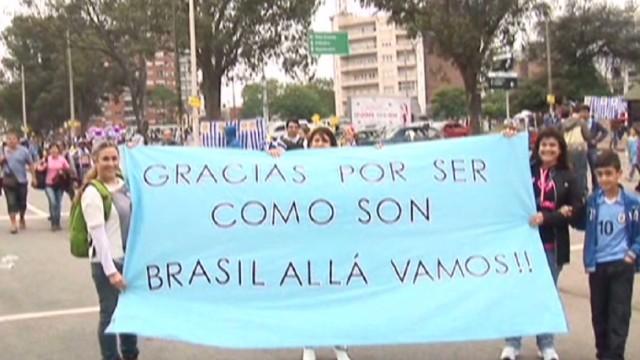 cnnee klein uruguay oass to world cup brazil_00012101.jpg