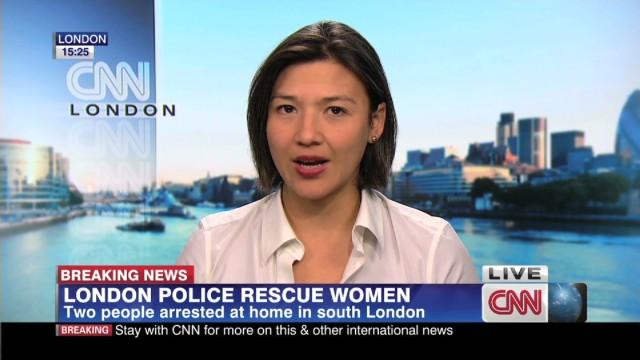 London Police Rescue Women_00004914.jpg