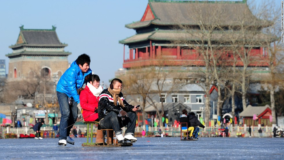 Shichahai Lake is actually three connected lakes: Qianhai Lake (front lake), Houhai Lake (back lake) and Xihai Lake (West Lake). Surrounded by historic architecture, the outdoor rink has ice chairs and ice bikes available for rent.