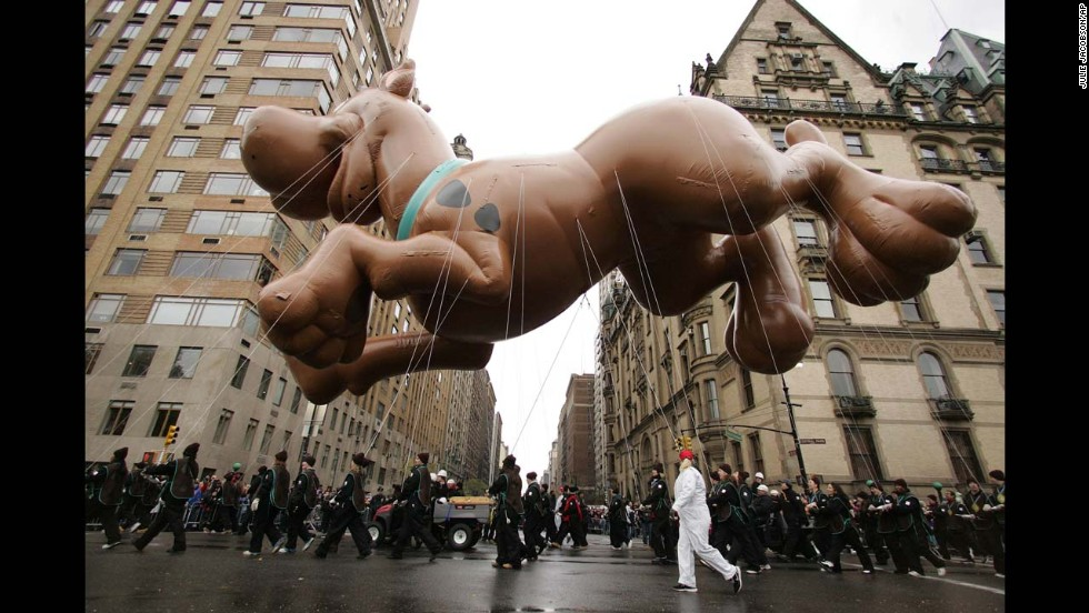The Scooby-Doo balloon hangs over Central Park West as it is pulled through the parade in 2005.
