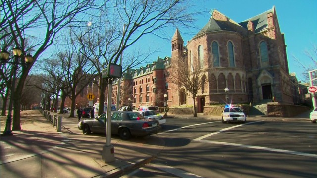 nr tell Yale University lockdown after gunman report_00002809.jpg