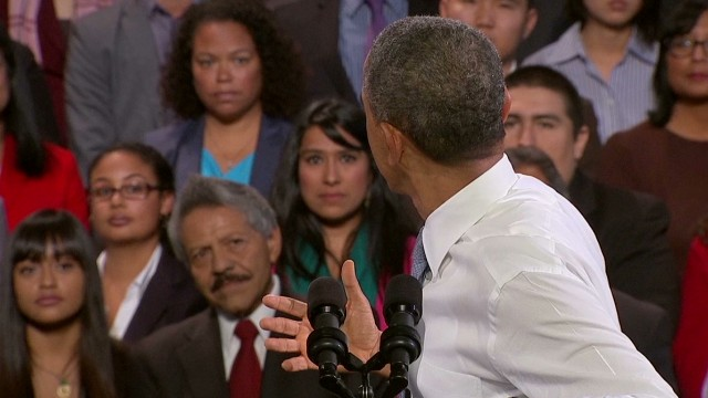 Obama responds to hecklers at speech