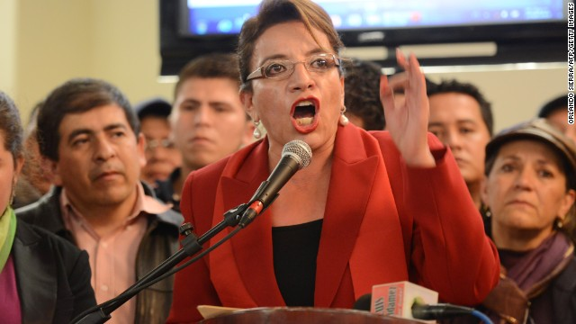 Honduran opposition presidential candidate Xiomara Castro, talks to supporters in Tegucigalpa, on November 29, 2013.