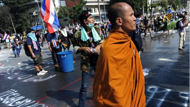 Thai police, protesters play cat & mouse