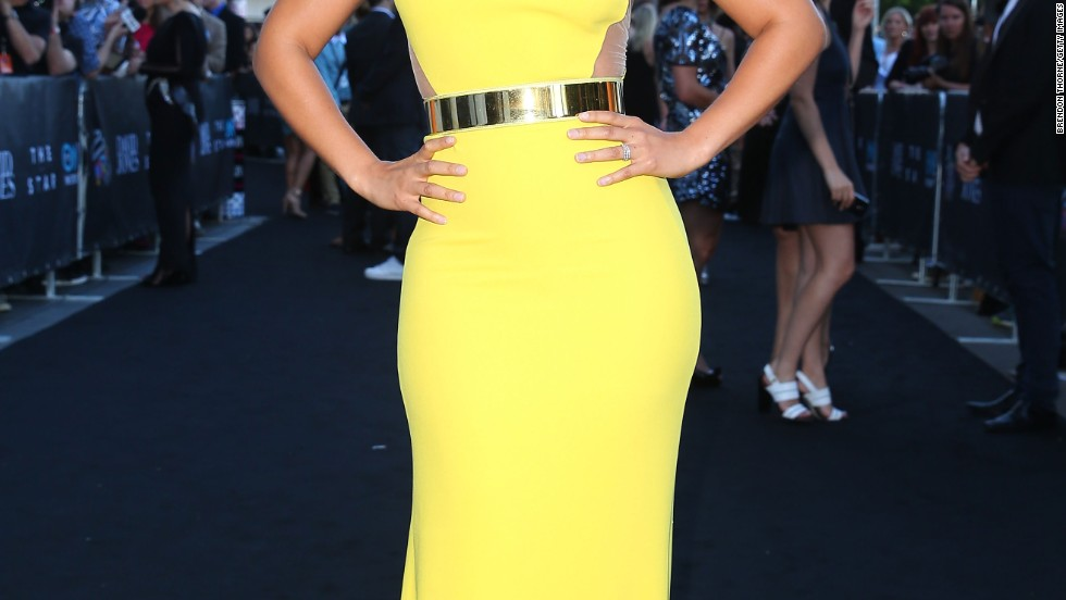 A sunny Alicia Keys arrives at the 27th Aria Awards in Sydney, Australia on December 1.