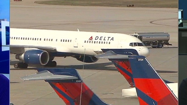 nr lkl Watkins Delta reportedly bumps passengers for basketball team_00024609.jpg