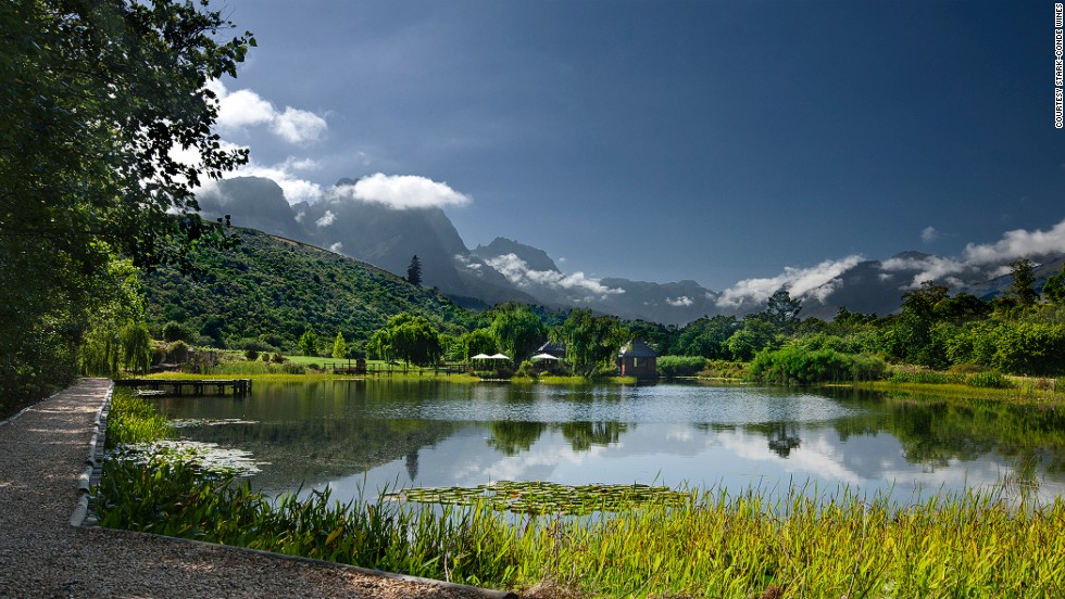 Stark-Condé boutique vineyard is 300 meters above sea level in the Jonkershoek valley. The pagoda-style tasting hut is set on an island in the middle of a lake.