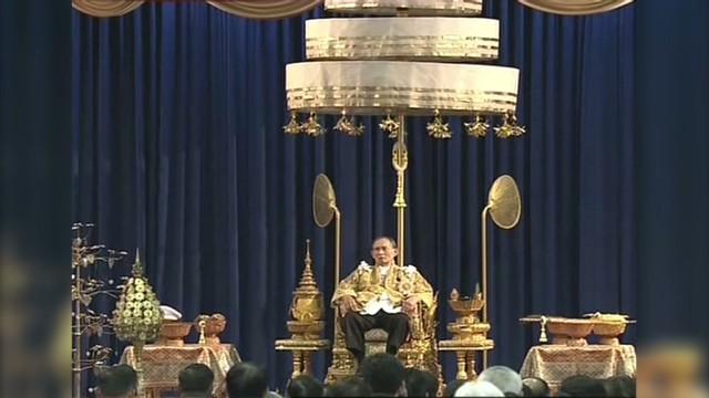 cnnee laje thailand king birthday truce_00001807.jpg
