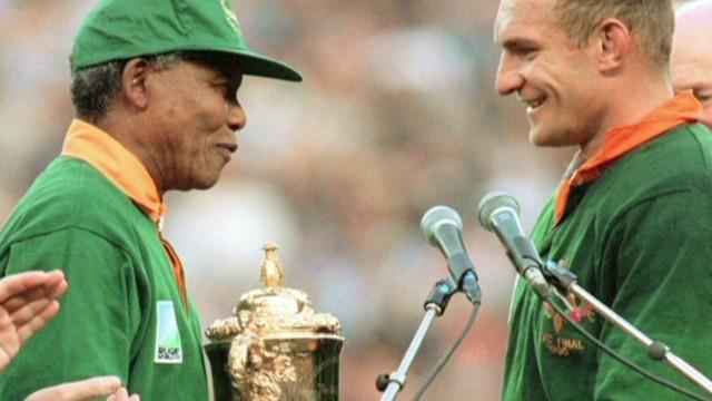 cnnee remembering mandela rugby_00034726.jpg