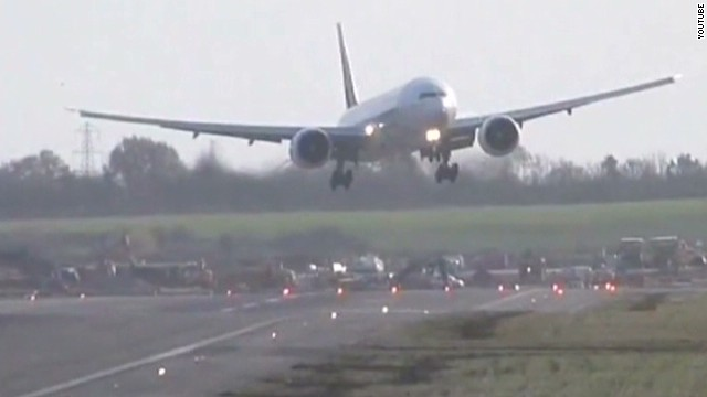 Watch a Boeing 777 battle violent winds
