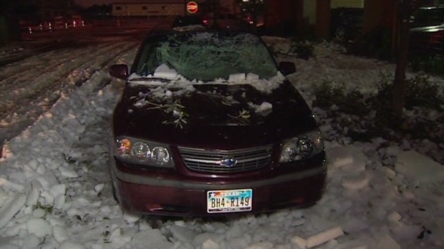 Falling ice crushes cars in Texas