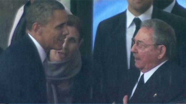 newday jones obama castro handshake_00002216.jpg