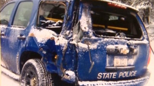 dnt mi officer hit during 40 car pile up_00005117.jpg