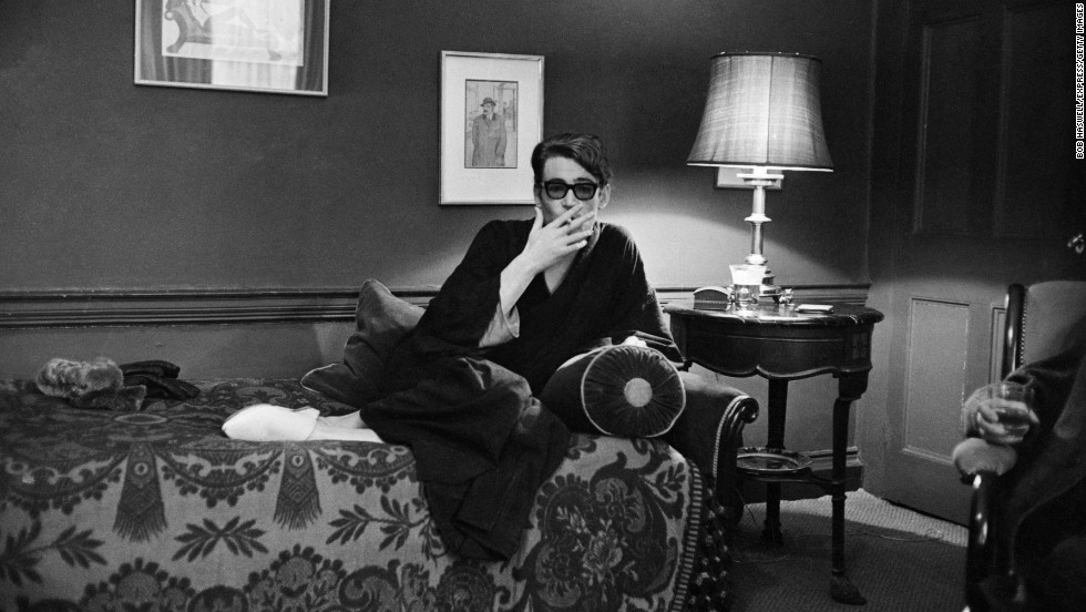 O'Toole relaxes at home on February 15, 1965.