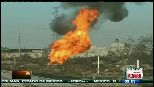 cnnee alis mexico fire on refinery_00000018.jpg