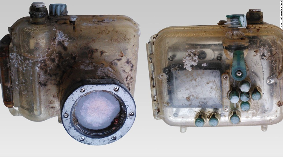 U.S. tourist Lindsay Crumbley Scallan lost her camera in Hawaii in August 2007. It washed up in March in Taiwan, and was found by two China Airlines' staff. Using Facebook, the airline tracked down Scallan and returned the still-working camera.