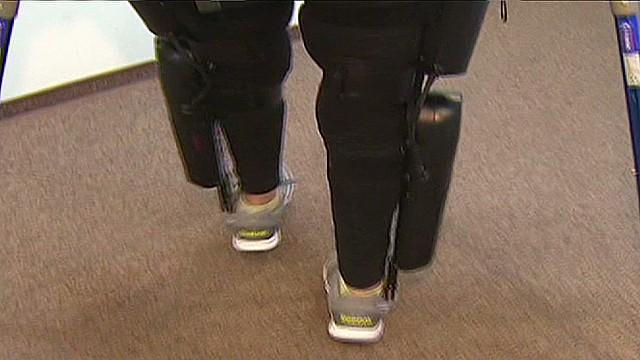 cnnee clix paralimpic walks again _00030026.jpg