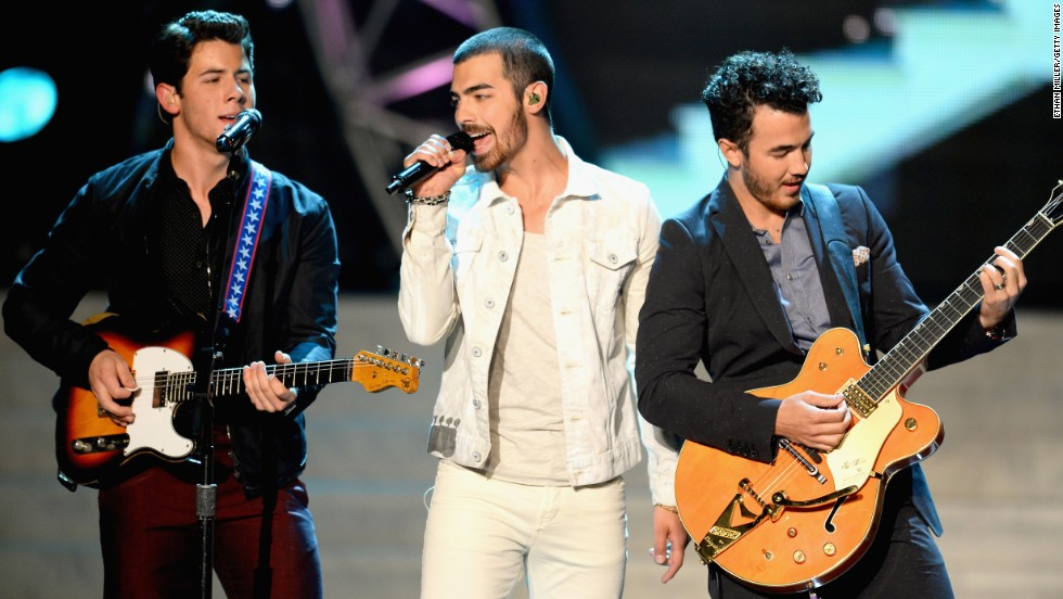 "Later that month, Nick Jonas, Joe Jonas and Kevin Jonas, also known as the pop group the Jonas Brothers, <a href=""http://www.cnn.com/2013/10/29/showbiz/music/jonas-brothers-breakup/"">broke up</a> over creative differences."