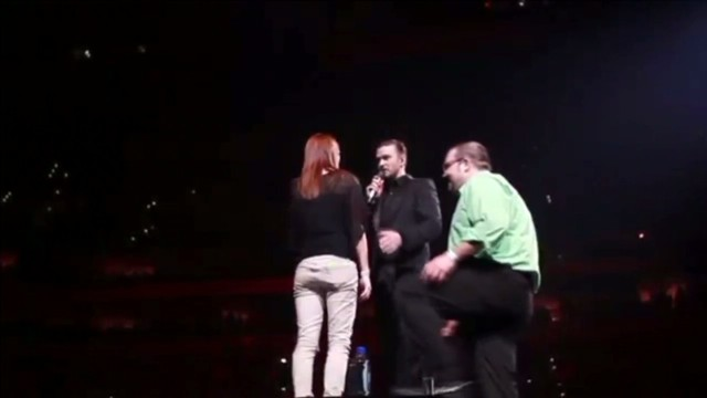 dnt timberlake helps in marriage proposal_00000110.jpg
