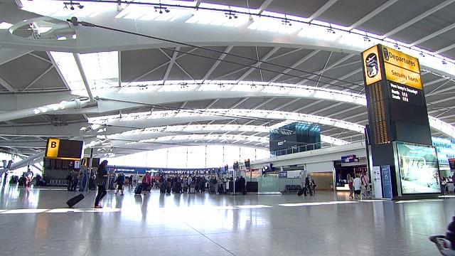 uk london airport plans soares pkg_00005002.jpg