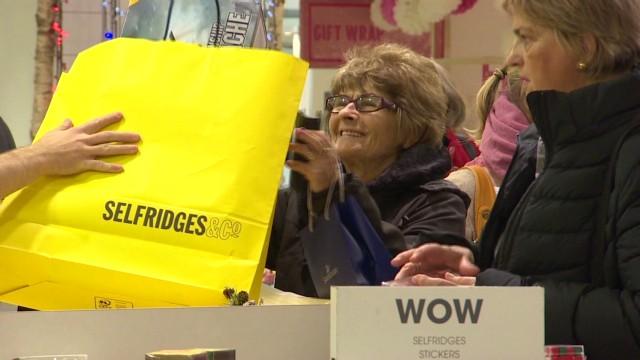 pkg uk santos selfridges retail_00030019.jpg