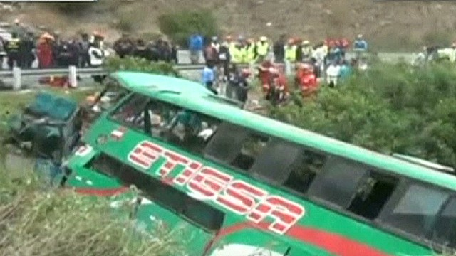cnnee oraa peru bus accident_00001704.jpg