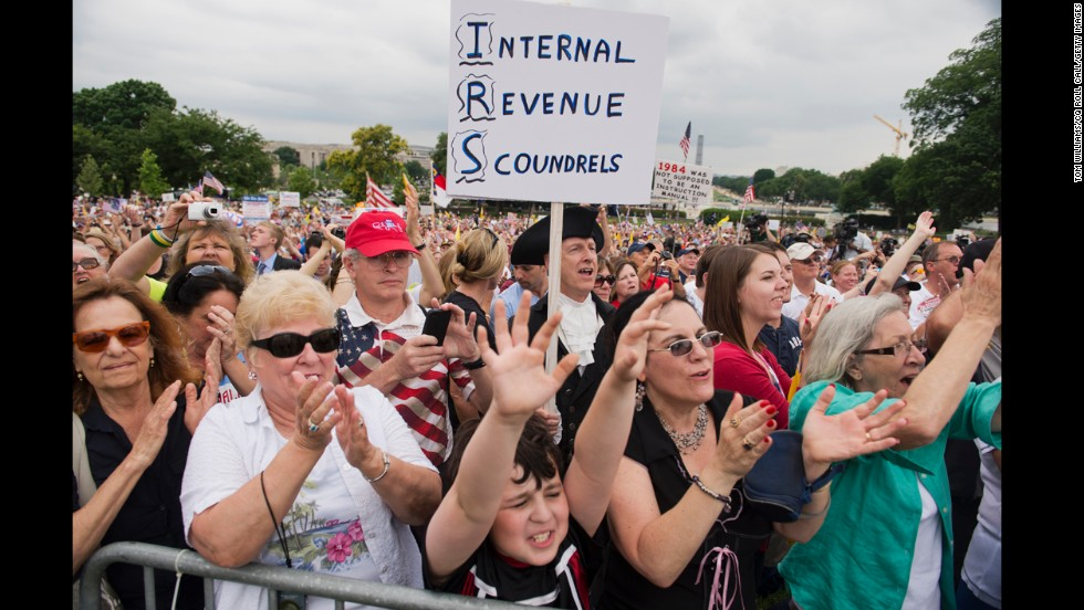 "<strong>The Internal Revenue Service:</strong> The IRS! Yes, while <a href=""http://www.gallup.com/video/162773/republicans-likely-democrats-rate-irs-negatively.aspx"" target=""_blank"">21% of Democrats and 59% of Republicans say the IRS is doing a ""poor"" job</a>, that is nothing compared to the job Americans think Congress is doing. With Congress coming in recently with a <a href=""http://www.cnn.com/2013/10/21/politics/cnn-poll-gop-boehner-shutdown/"">12% approval rating</a>, the tax man is winning."