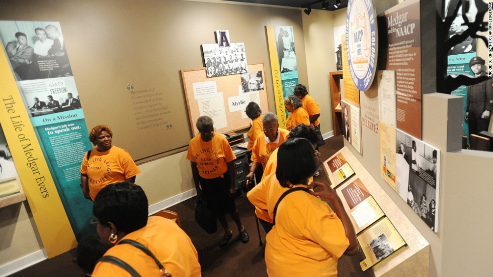 "The site of Jackson's first school for African-American children in 1894, the <a href=""http://www.city.jackson.ms.us/index.aspx?nid=143"" target=""_blank"">Smith Robertson Museum and Cultural Center </a>focuses on the African-American experience in the Deep South. Permanent exhibits include a gallery on civil rights and Mississippi's historically black colleges and universities. The museum also holds a Smithsonian exhibition, ""Field to Factory: The Afro-American Migration, 1915-1940,"" which documents the migration of many African- Americans from the rural South to the urban North. <br />"