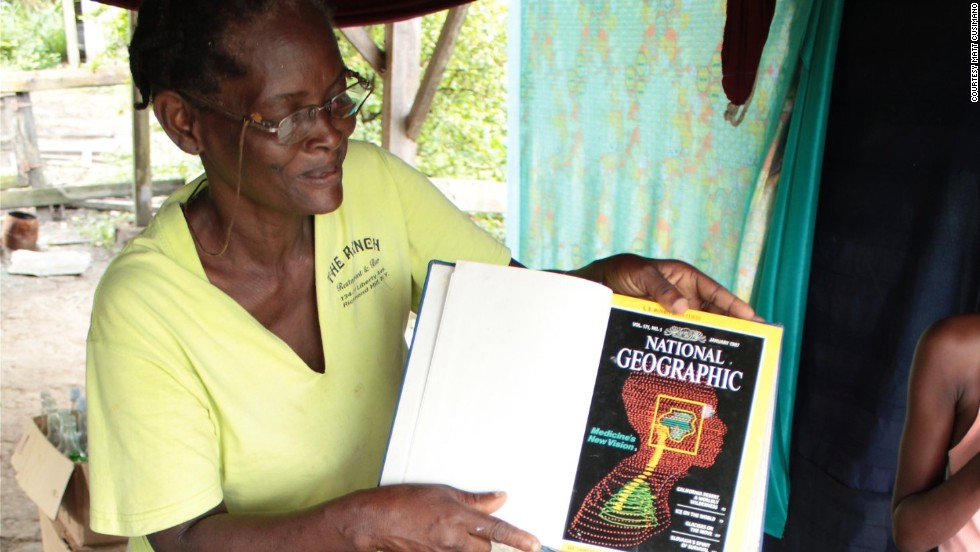 Sandvoort resident Joan Mars donated some of her collection of National Geographic magazines to the library.