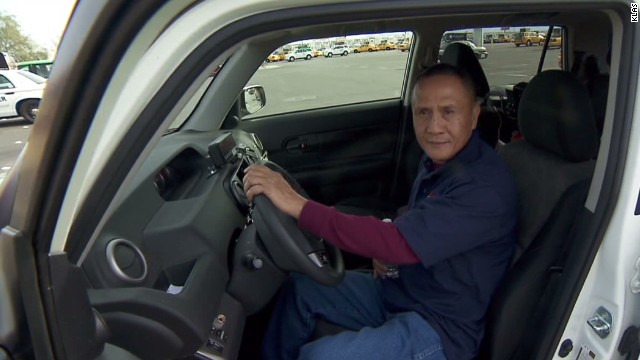 Cabbie returns $300K left by pro gambler