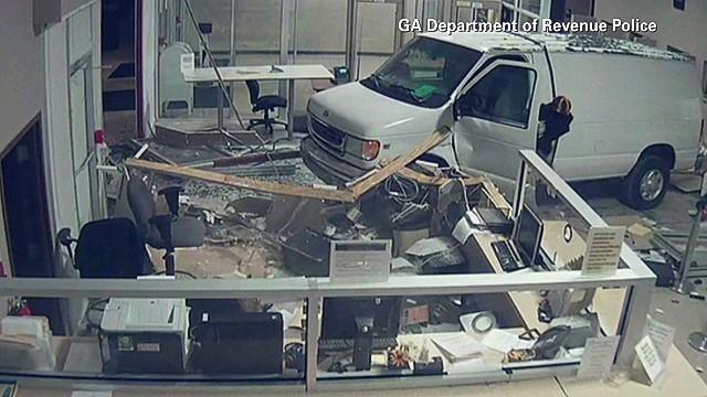 newday ga van crashes into dmv_00005930.jpg
