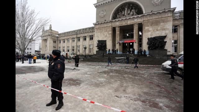 Report: Female bomber behind blast