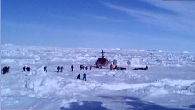 All passengers on Antarctic ship rescued