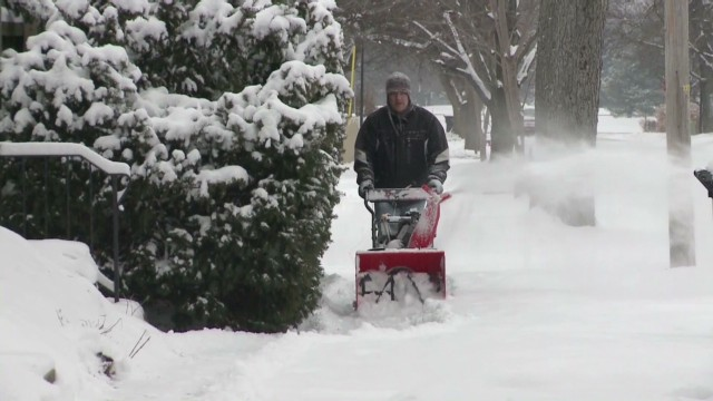 Northeast prepares as nor'easter looms